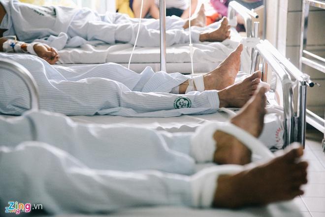 Đầu năm 2020, bệnh nhân ngộ độc, tai nạn vì rượu bia tăng Ảnh 1
