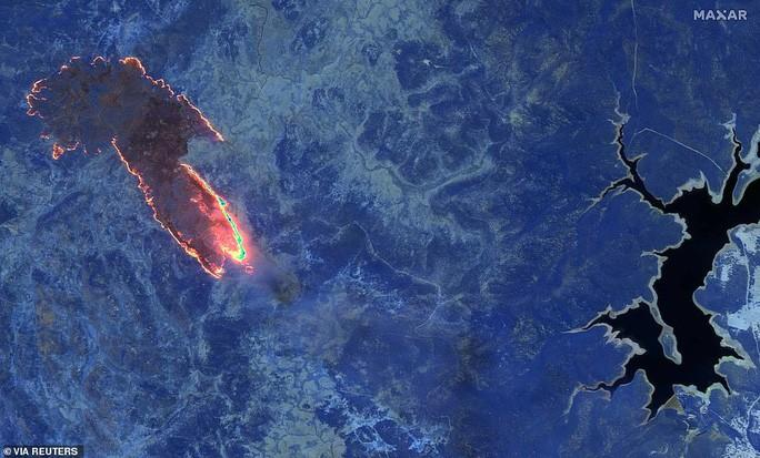 Những hình ảnh đáng kinh ngạc của cháy rừng Úc nhìn từ trên cao Ảnh 4
