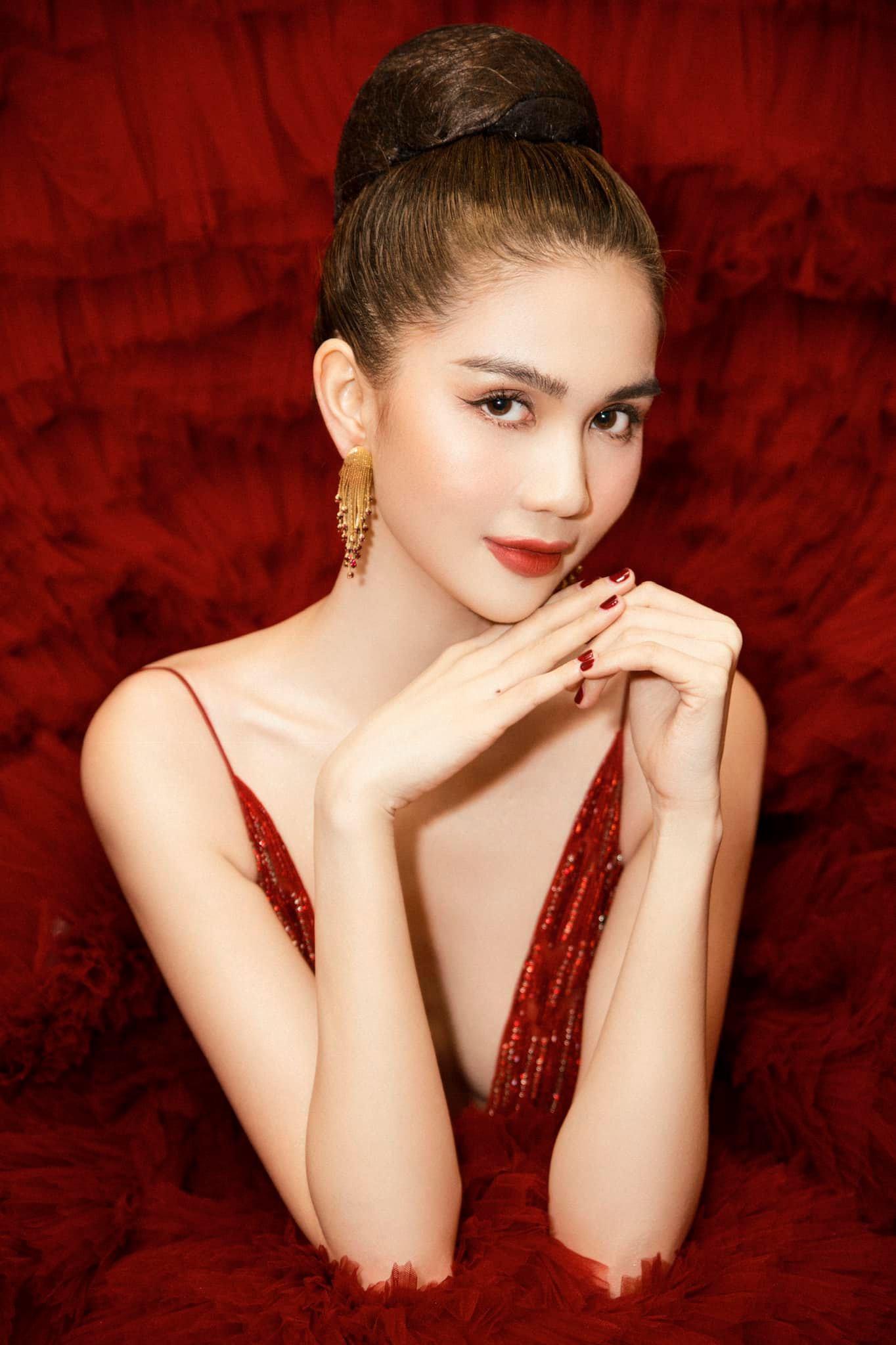 Chán hở bạo, Ngọc Trinh diện váy đỏ hóa thành công chúa lộng lẫy Ảnh 8