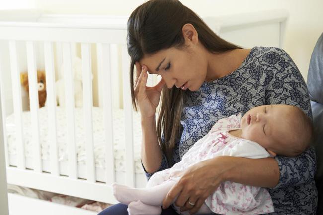 Tôi vừa khoe nhận được tiền thai sản, mẹ chồng liền đề nghị đưa hết số tiền đó cho bà với lý do không thể chối tai hơn Ảnh 1