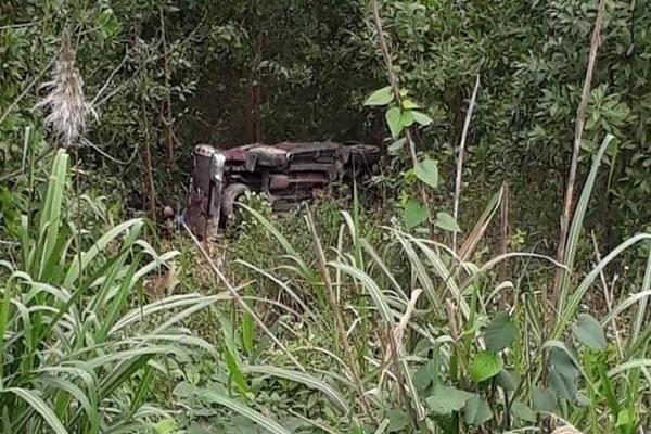 Xe bán tải lao xuống vực sâu ở Quảng Bình, tài xế tử vong Ảnh 2