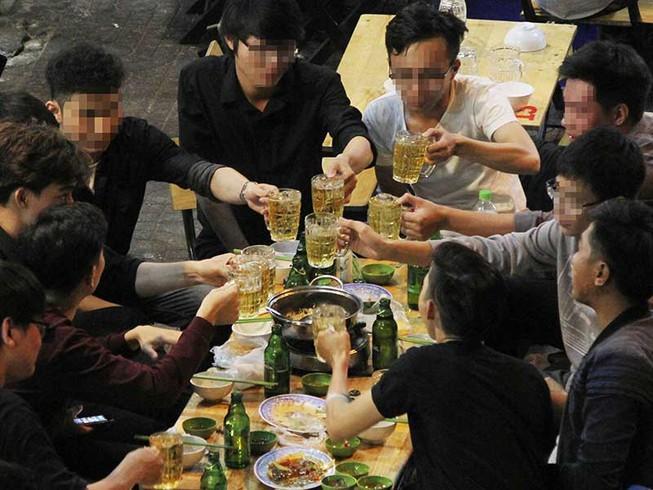 Tăng thuế rượu, bia để bớt nhậu Ảnh 1