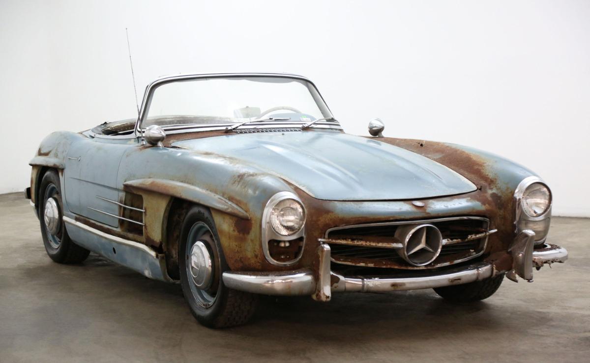 Xe cổ Mercedes-Benz 'đồng nát' giá gần 19 tỷ đồng Ảnh 1