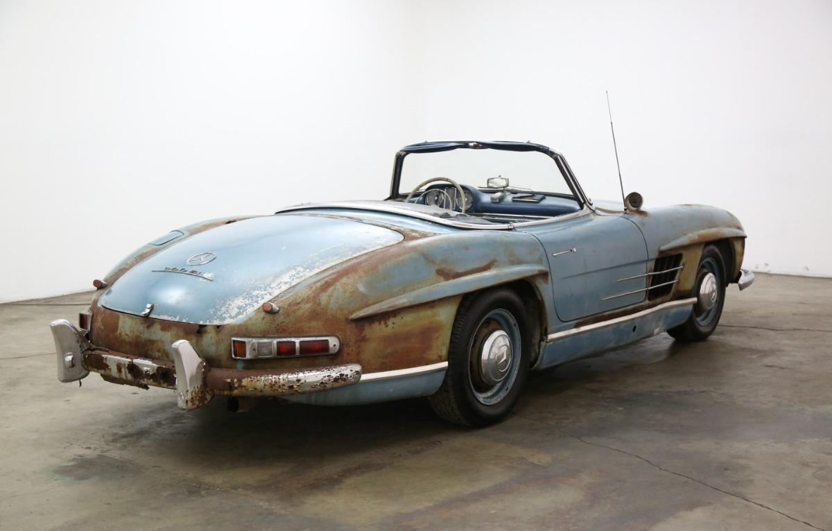 Xe cổ Mercedes-Benz 'đồng nát' giá gần 19 tỷ đồng Ảnh 4