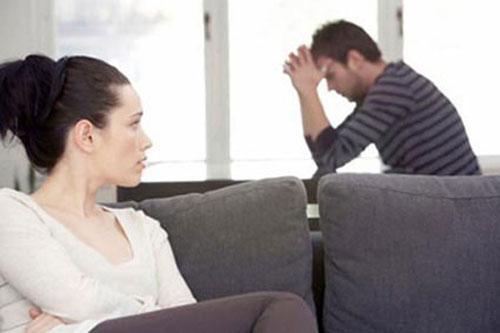 Vợ dứt khoát không bán nhà cứu bố chồng bị ung thư, chồng nghẹn đắng Ảnh 1