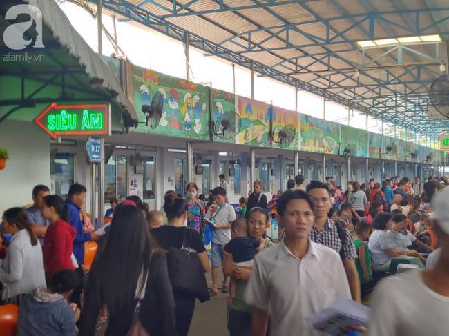 59 học sinh Tây Ninh nhập viện cấp cứu tại TP.HCM sau khi ăn xôi gà Ảnh 1