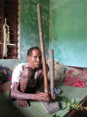 Cuộc sống săn bắt, hái lượm như người nguyên thủy ở bộ tộc kỳ lạ nhất Việt Nam Ảnh 2