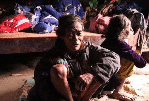 Cuộc sống săn bắt, hái lượm như người nguyên thủy ở bộ tộc kỳ lạ nhất Việt Nam Ảnh 1