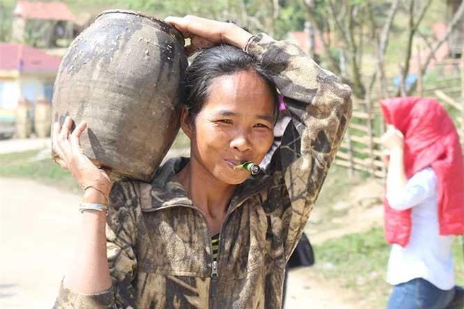 Cuộc sống săn bắt, hái lượm như người nguyên thủy ở bộ tộc kỳ lạ nhất Việt Nam Ảnh 5