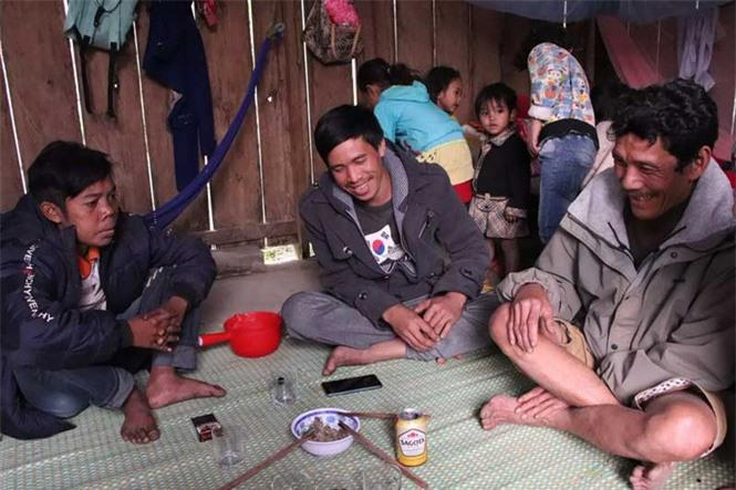 Cuộc sống săn bắt, hái lượm như người nguyên thủy ở bộ tộc kỳ lạ nhất Việt Nam Ảnh 9