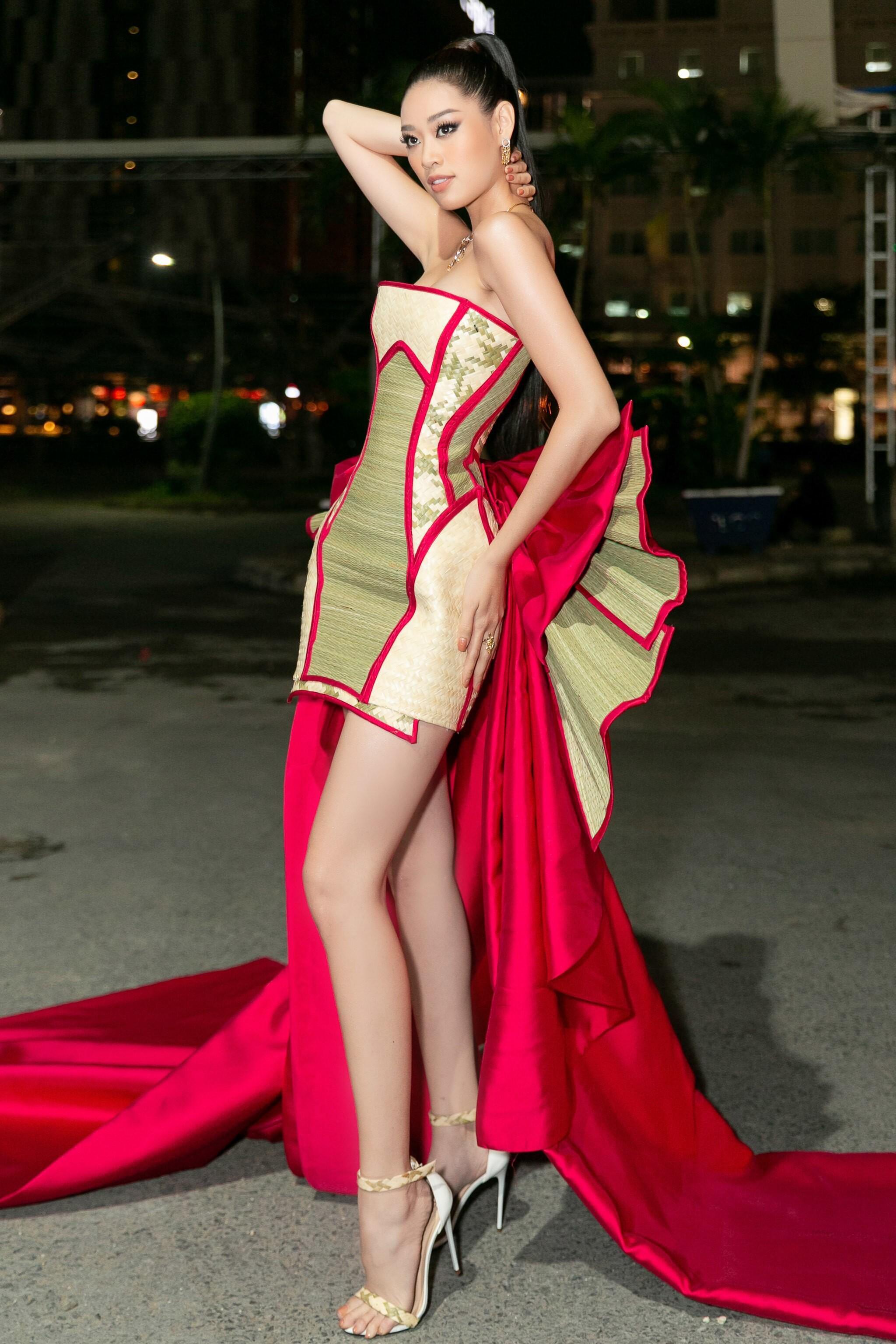 Hoa hậu Khánh Vân mang cả 'làng chiếu cói' lên thảm đỏ Ảnh 8