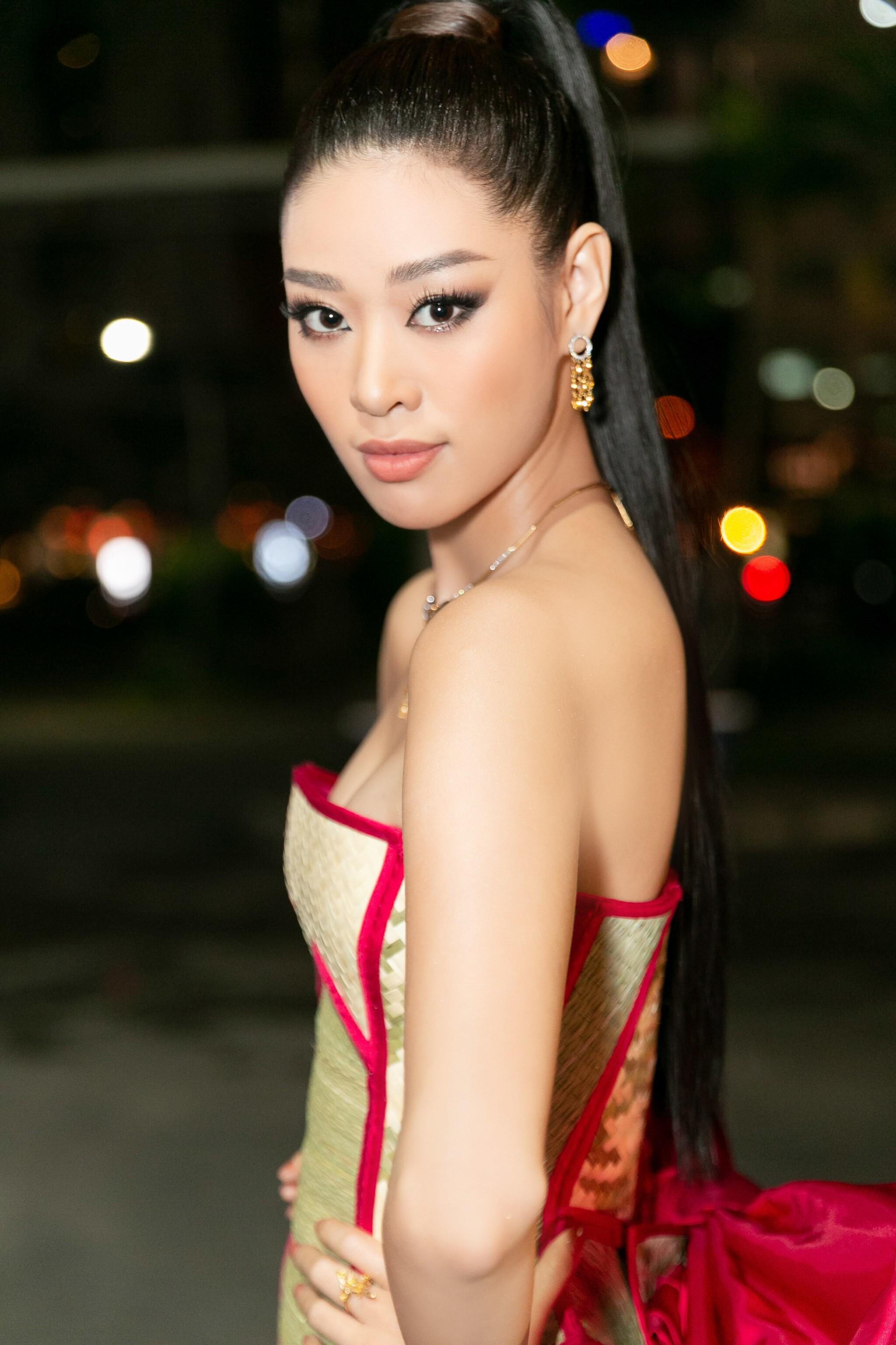 Hoa hậu Khánh Vân mang cả 'làng chiếu cói' lên thảm đỏ Ảnh 11