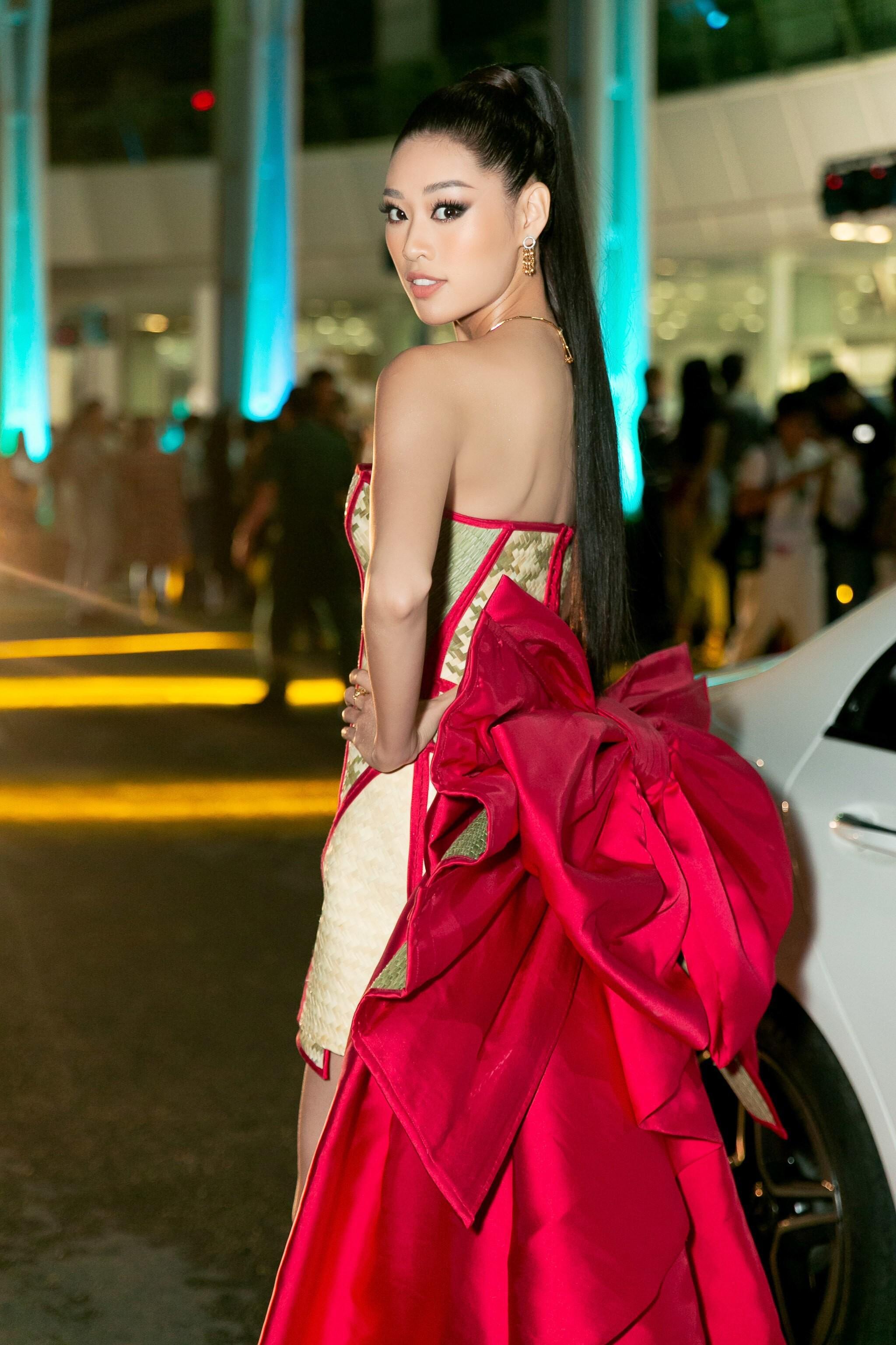Hoa hậu Khánh Vân mang cả 'làng chiếu cói' lên thảm đỏ Ảnh 6