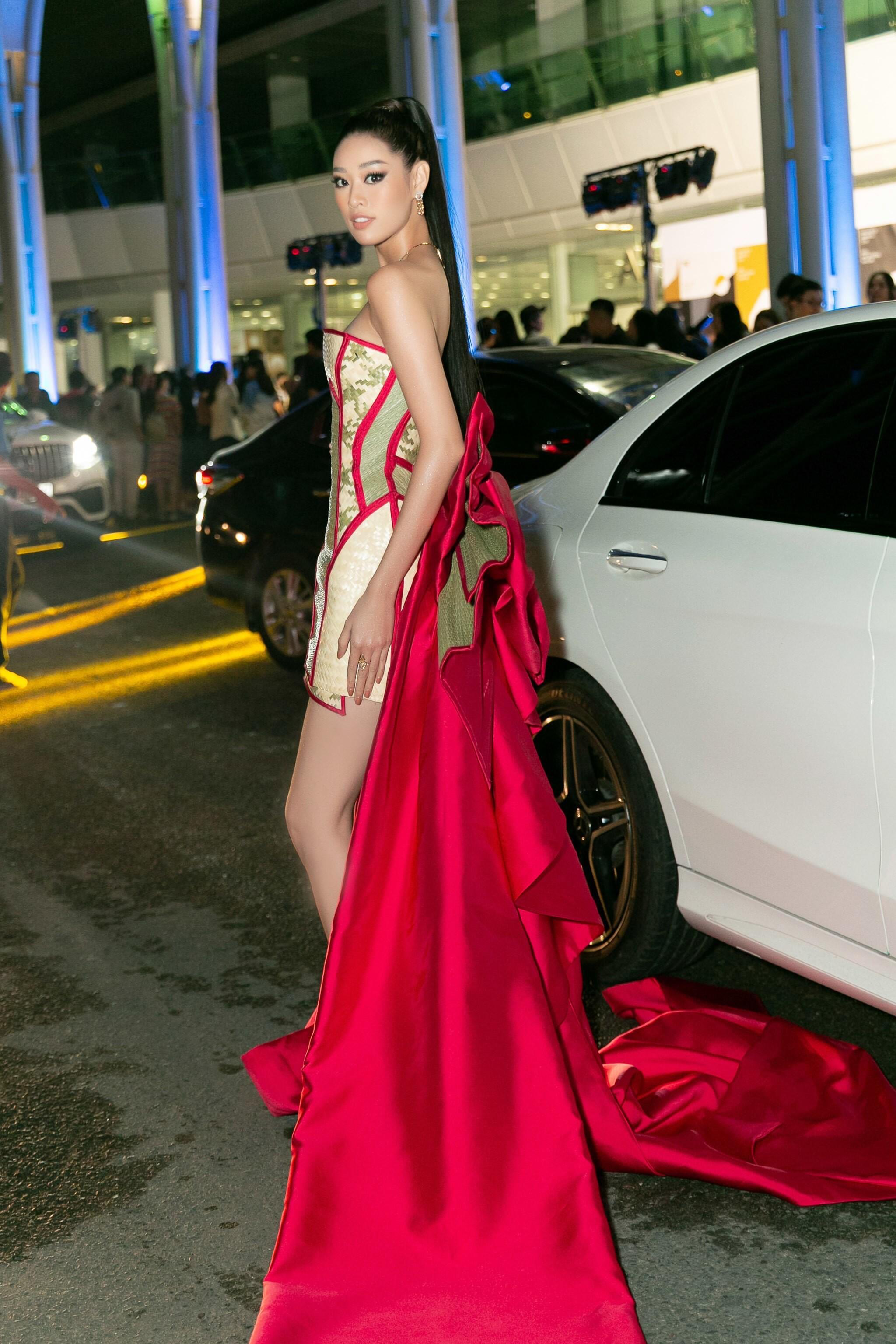 Hoa hậu Khánh Vân mang cả 'làng chiếu cói' lên thảm đỏ Ảnh 7