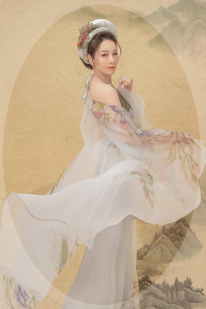 Hé lộ 'bí mật' về 12 bộ váy áo tiên nữ gợi cảm nhưng thanh tao của Nhật Kim Anh Ảnh 6