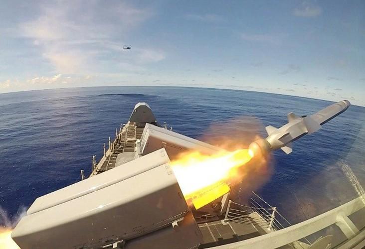 Hải quân Mỹ đánh trúng mục tiêu từ khoảng cách 200km bằng tên lửa tàng hình Ảnh 20