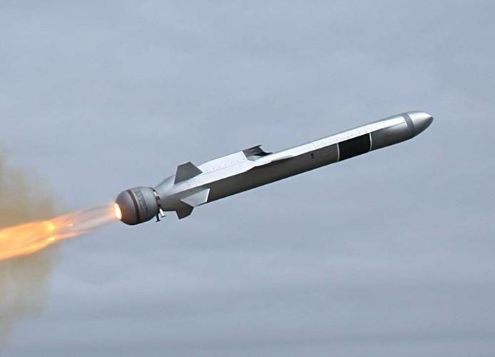 Hải quân Mỹ đánh trúng mục tiêu từ khoảng cách 200km bằng tên lửa tàng hình Ảnh 11
