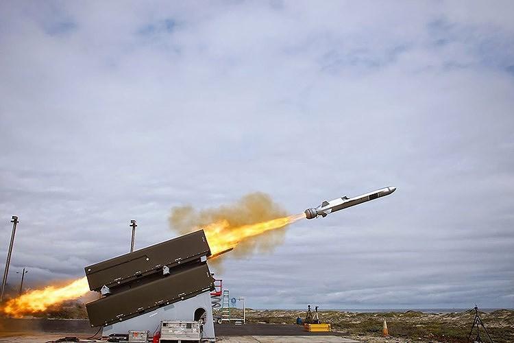 Hải quân Mỹ đánh trúng mục tiêu từ khoảng cách 200km bằng tên lửa tàng hình Ảnh 18