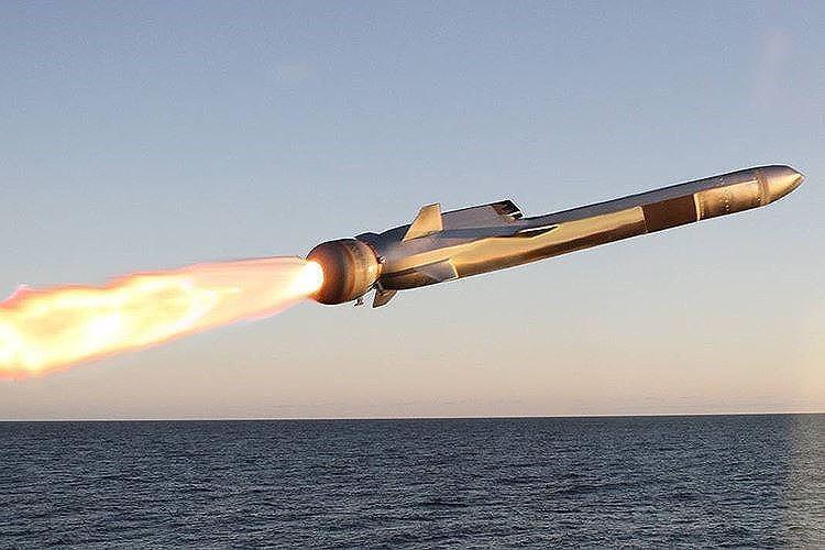 Hải quân Mỹ đánh trúng mục tiêu từ khoảng cách 200km bằng tên lửa tàng hình Ảnh 10