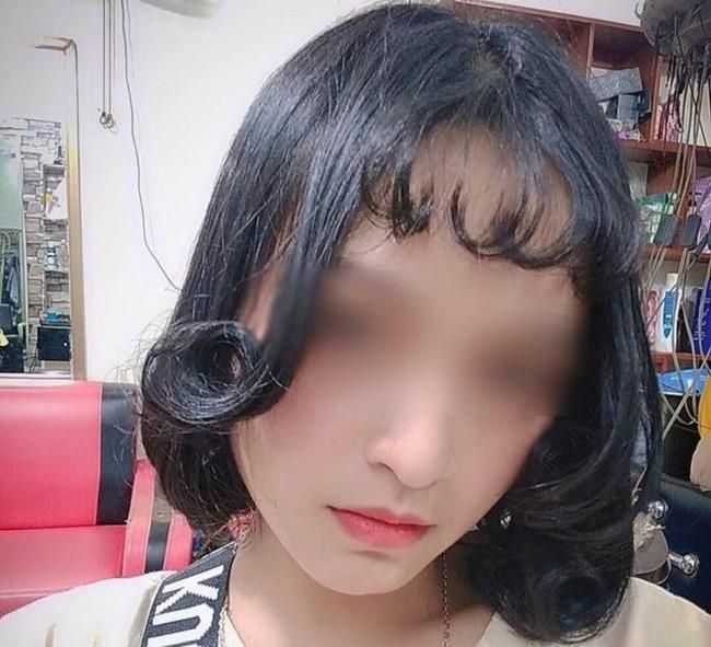 Đi làm tóc để diện Tết, nhìn thành quả cô gái còn buồn hơn cả thất tình Ảnh 1