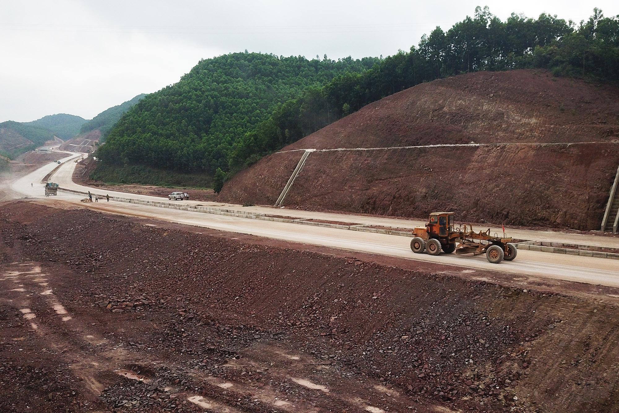 Kiến nghị 13 tỉnh ưu tiên nguồn cung vật liệu xây cao tốc Bắc - Nam phía Đông Ảnh 1