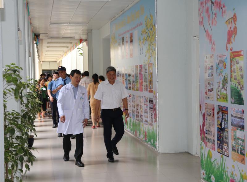 Thứ trưởng Bộ Y tế lưu ý BV Chợ Rẫy cảnh giác virus corona Ảnh 2