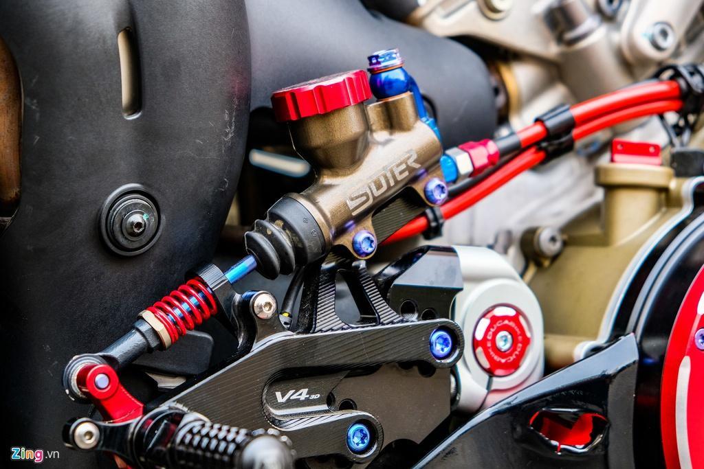 Ducati Panigale V4 với gói độ xe đua tiền tỷ tại TP.HCM Ảnh 20