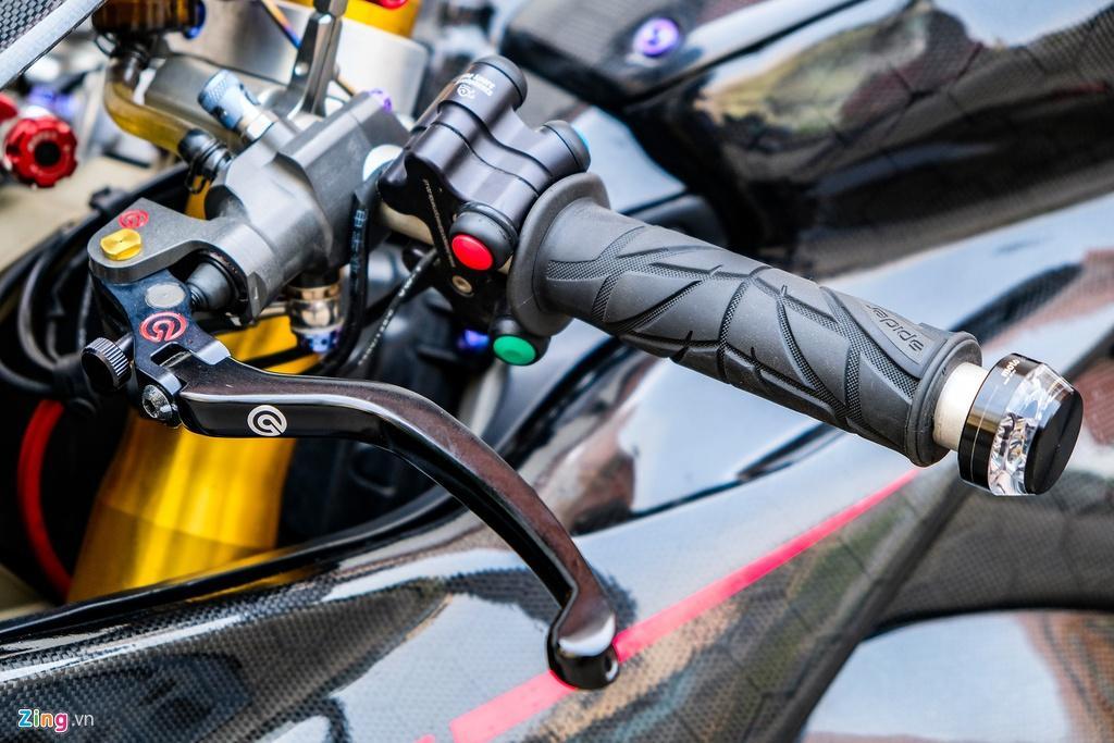 Ducati Panigale V4 với gói độ xe đua tiền tỷ tại TP.HCM Ảnh 8