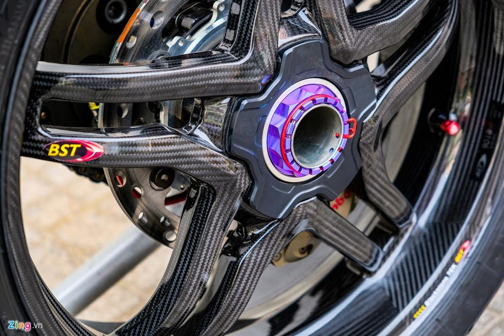 Ducati Panigale V4 với gói độ xe đua tiền tỷ tại TP.HCM Ảnh 16
