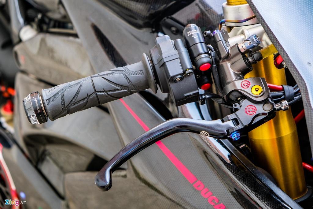 Ducati Panigale V4 với gói độ xe đua tiền tỷ tại TP.HCM Ảnh 7