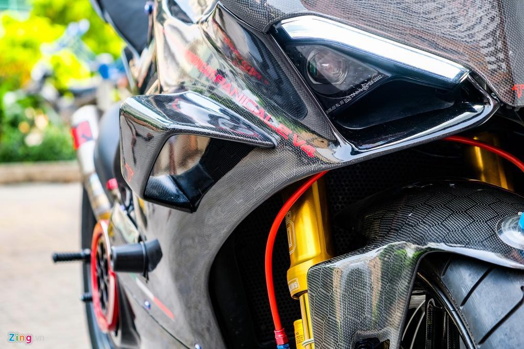 Ducati Panigale V4 với gói độ xe đua tiền tỷ tại TP.HCM Ảnh 13