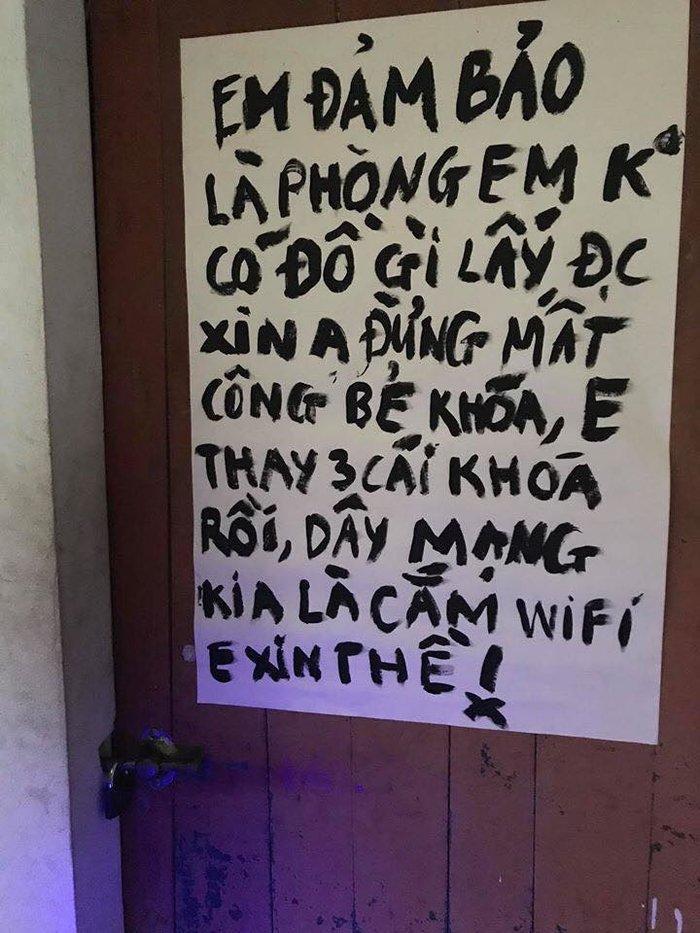 Về quê ăn Tết, nam sinh khóa cửa cẩn thận kèm theo lời nhắn gửi hài hước đến các tên trộm Ảnh 1
