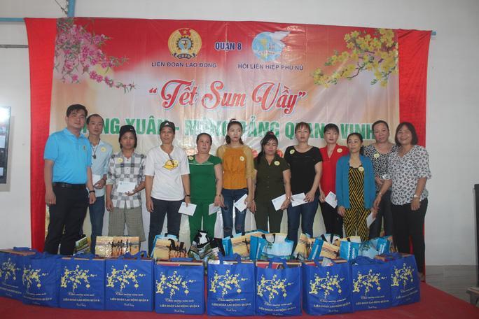 Tổ chức tiệc tất niên cho công nhân ở trọ Ảnh 2