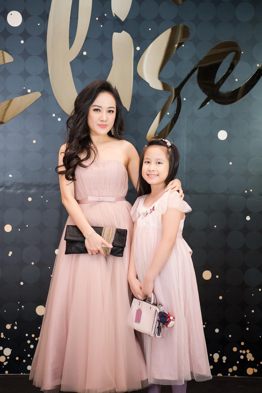 BTV Hoài Anh khoe con gái xinh đẹp, đáng yêu Ảnh 1