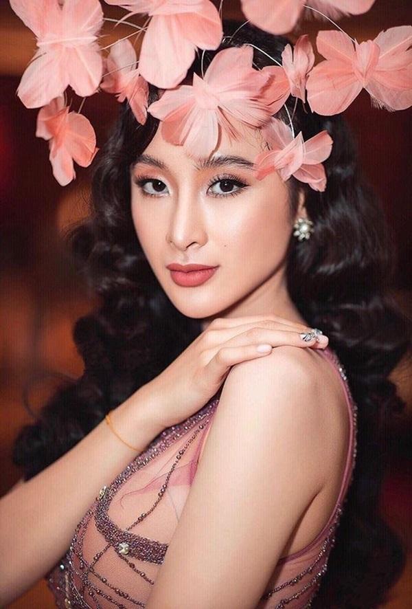 Minh Hằng, Angela Phương Trinh mất điểm vì miếng mút che ngực kém duyên Ảnh 4