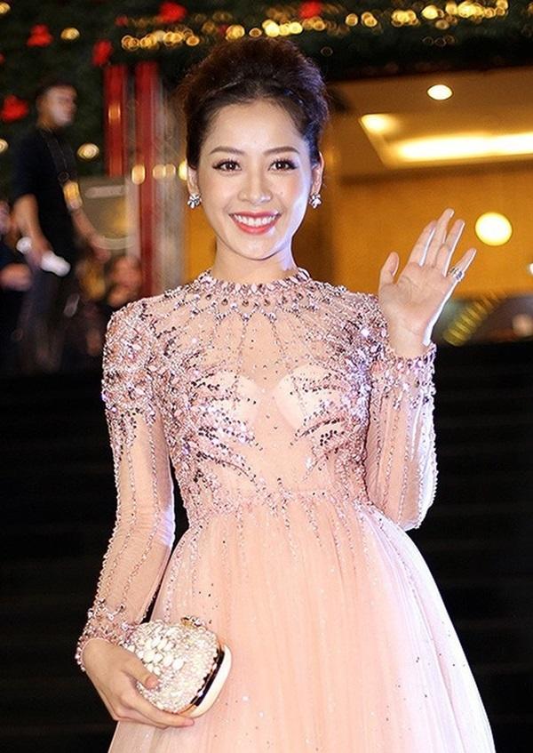 Minh Hằng, Angela Phương Trinh mất điểm vì miếng mút che ngực kém duyên Ảnh 14