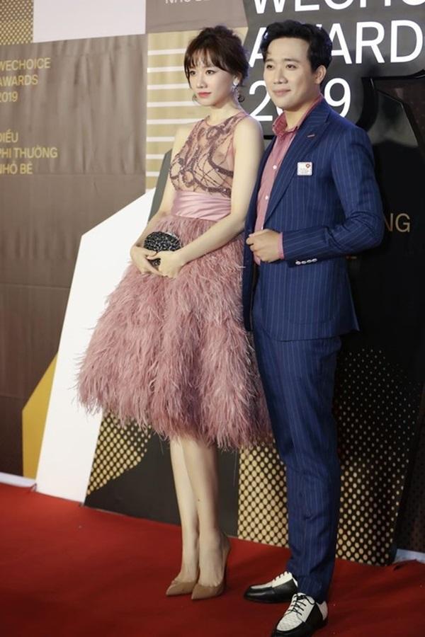 Minh Hằng, Angela Phương Trinh mất điểm vì miếng mút che ngực kém duyên Ảnh 2