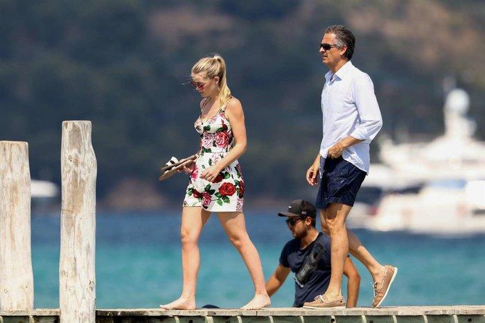 Nhẫn đính hôn của cháu gái công nương Diana, Kitty Spencer trị giá gần 4 tỷ VNĐ Ảnh 4