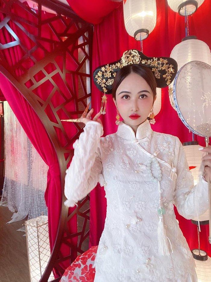 Vợ hai Minh Nhựa thừa nhận 'sống ảo' trên Facebook, chia sẻ bí quyết giữ chồng đại gia Ảnh 1