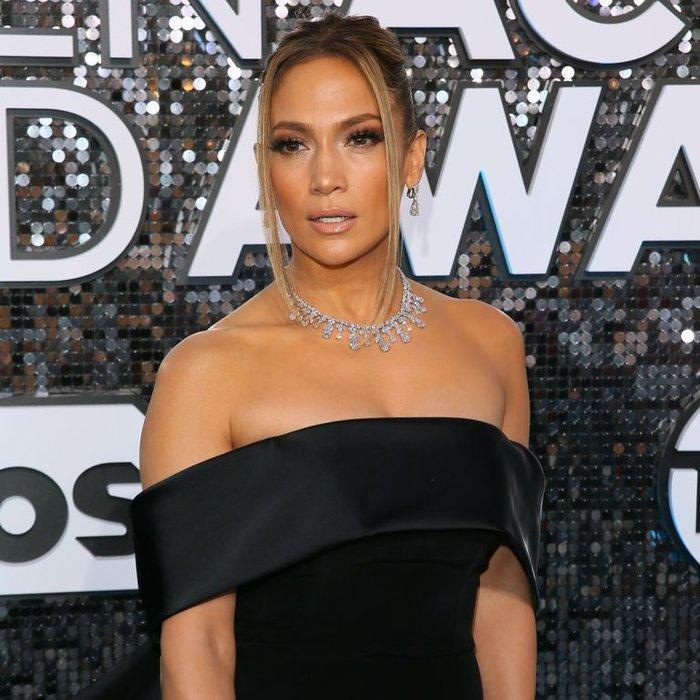 Hoảng hồn với bộ trang sức hơn 200 tỷ VNĐ của Jennifer Lopez tại lễ trao giải SAG Awards Ảnh 3