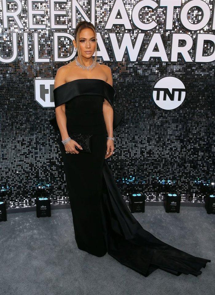 Hoảng hồn với bộ trang sức hơn 200 tỷ VNĐ của Jennifer Lopez tại lễ trao giải SAG Awards Ảnh 5