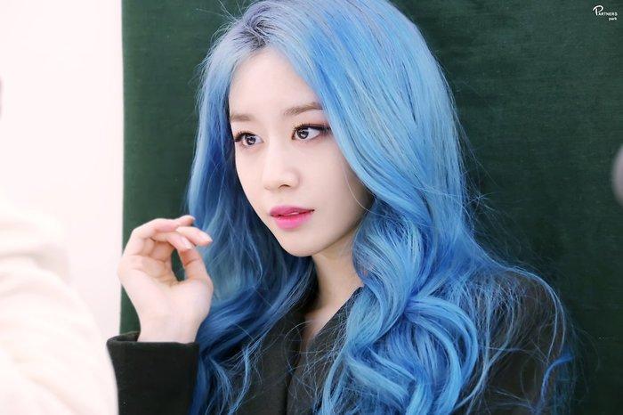 Park Ji Yeon (T-ARA) hóa công chúa Disney bản thực khiến dân tình bấn loạn Ảnh 20