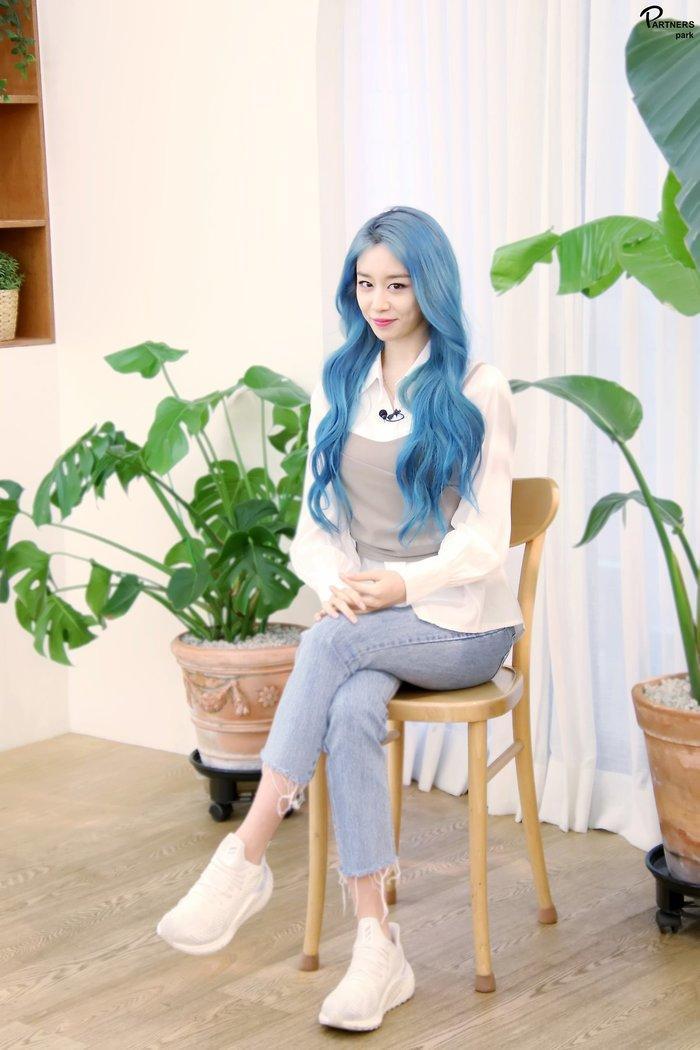 Park Ji Yeon (T-ARA) hóa công chúa Disney bản thực khiến dân tình bấn loạn Ảnh 26