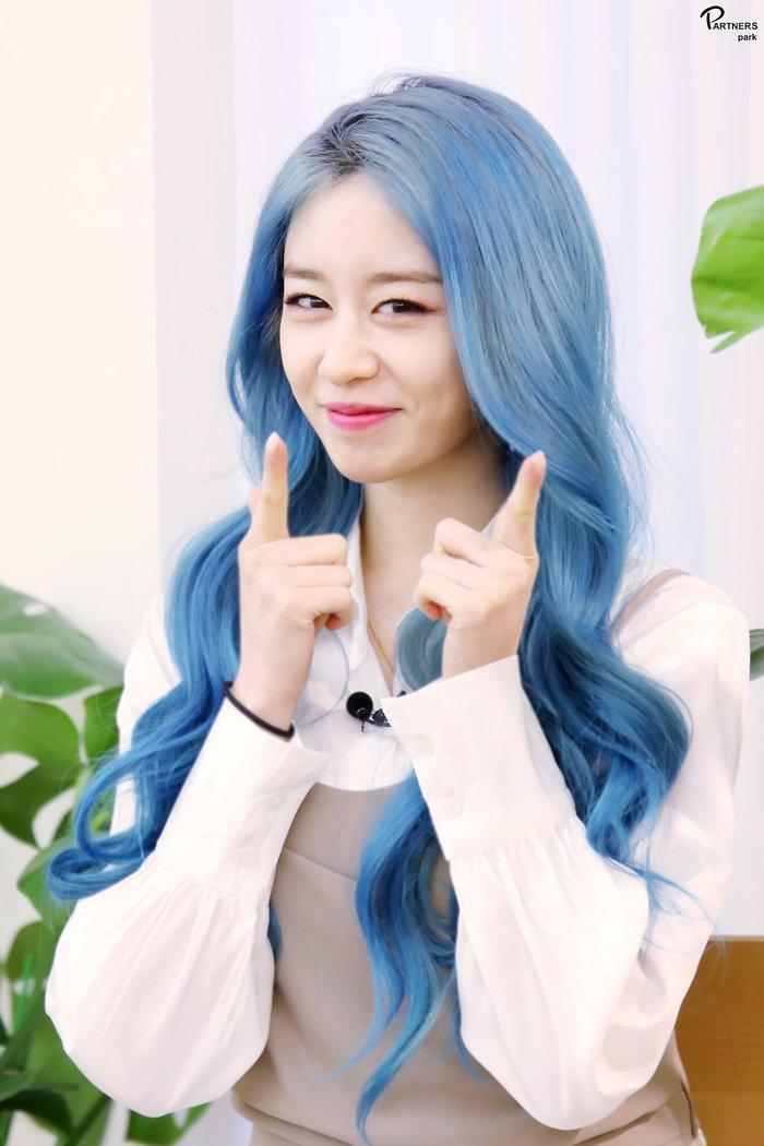 Park Ji Yeon (T-ARA) hóa công chúa Disney bản thực khiến dân tình bấn loạn Ảnh 27