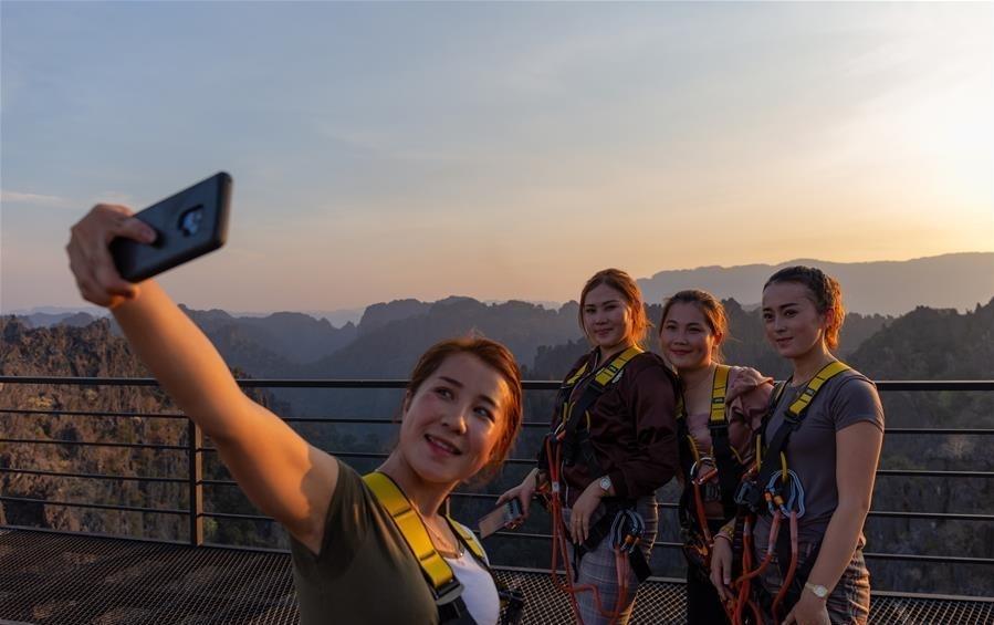 Địa danh ấn tượng thu hút khách hàng đầu ở Lào Ảnh 10