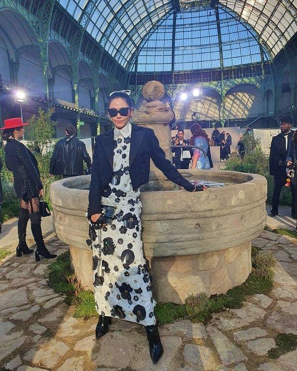 'Phạm Băng Băng' xứ Thái mô phỏng gu thời trang của Karl Lagerfeld tại Paris Fashion Week Ảnh 2