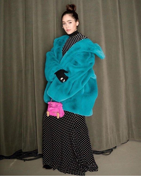 'Phạm Băng Băng' xứ Thái mô phỏng gu thời trang của Karl Lagerfeld tại Paris Fashion Week Ảnh 9