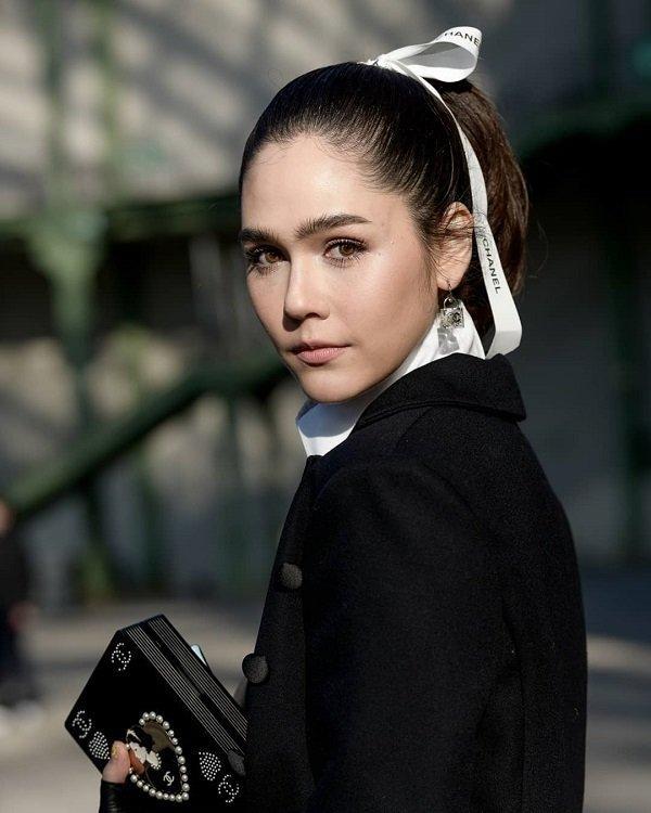 'Phạm Băng Băng' xứ Thái mô phỏng gu thời trang của Karl Lagerfeld tại Paris Fashion Week Ảnh 5