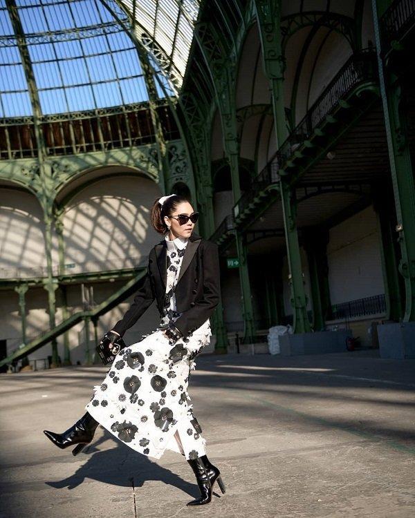'Phạm Băng Băng' xứ Thái mô phỏng gu thời trang của Karl Lagerfeld tại Paris Fashion Week Ảnh 3