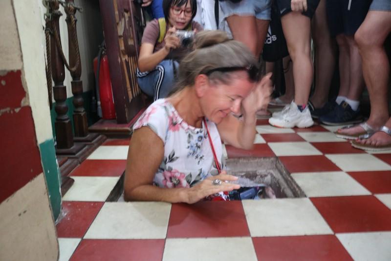 Đoàn khách Ba Lan trải nghiệm tour 'Biệt động Sài Gòn' Ảnh 3